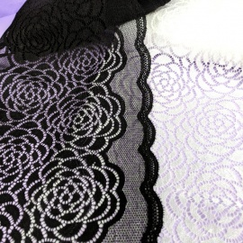 Encaje negro extra ancho de 20cm con elasticidad