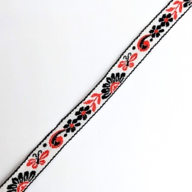Cinta tejida decorativa Mariposas Rojas sobre fondo blanco
